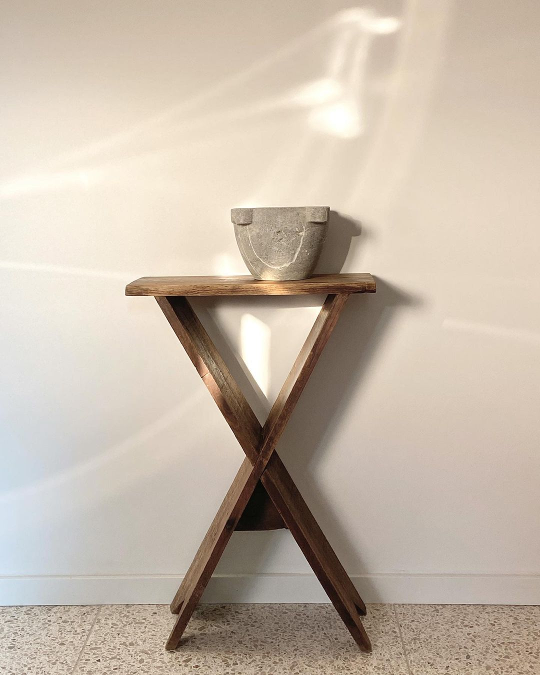 ZWEI FInds Gallery French X Accent Table